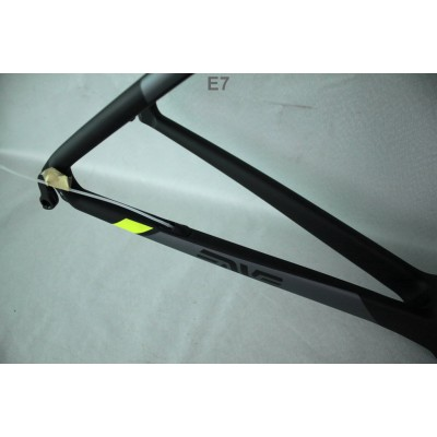 Carbon Fiber Road Bike Bicycle Frame Mendiz-Mendiz Frame